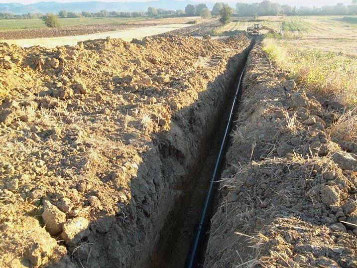 Infrastrutture a rete-Acquedotto in PVC in pressione-full