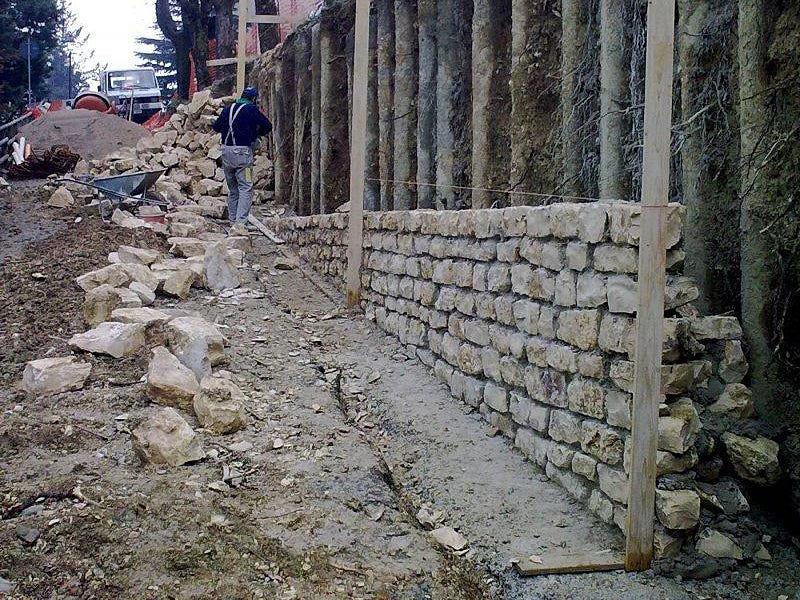 Opere speciali in calcestruzzo armato-Paratia in micropali e muro in pietra Costacciaro-full 1