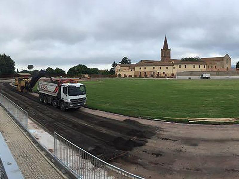 Parchi e Impianti Sportivi-Ripristino sottofondo della pista dello stadio comunale Santa Giuliana-full